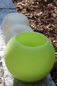Outdoorkerzen in weiß und grün